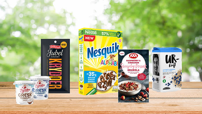 Blant nyhetene til frokostbordet finner vi blant annet Grilstad Jubelsalami med krydder, Nesquik Alphabet med mindre sukker og mer fullkorn, granola fra Axa og Urkraft grøtgryn. Synnøve Gresk yogurt Blåbær og Kokos kommer i nesten alle KIWI-butikker.