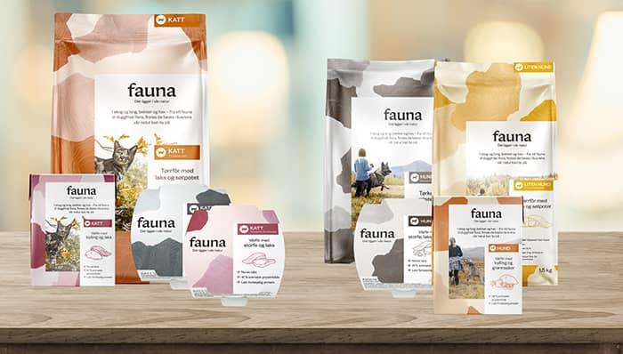 Fauna er et nytt, norsk fôr til hund og katt som du får kjøpt i alle KIWI-butikker.