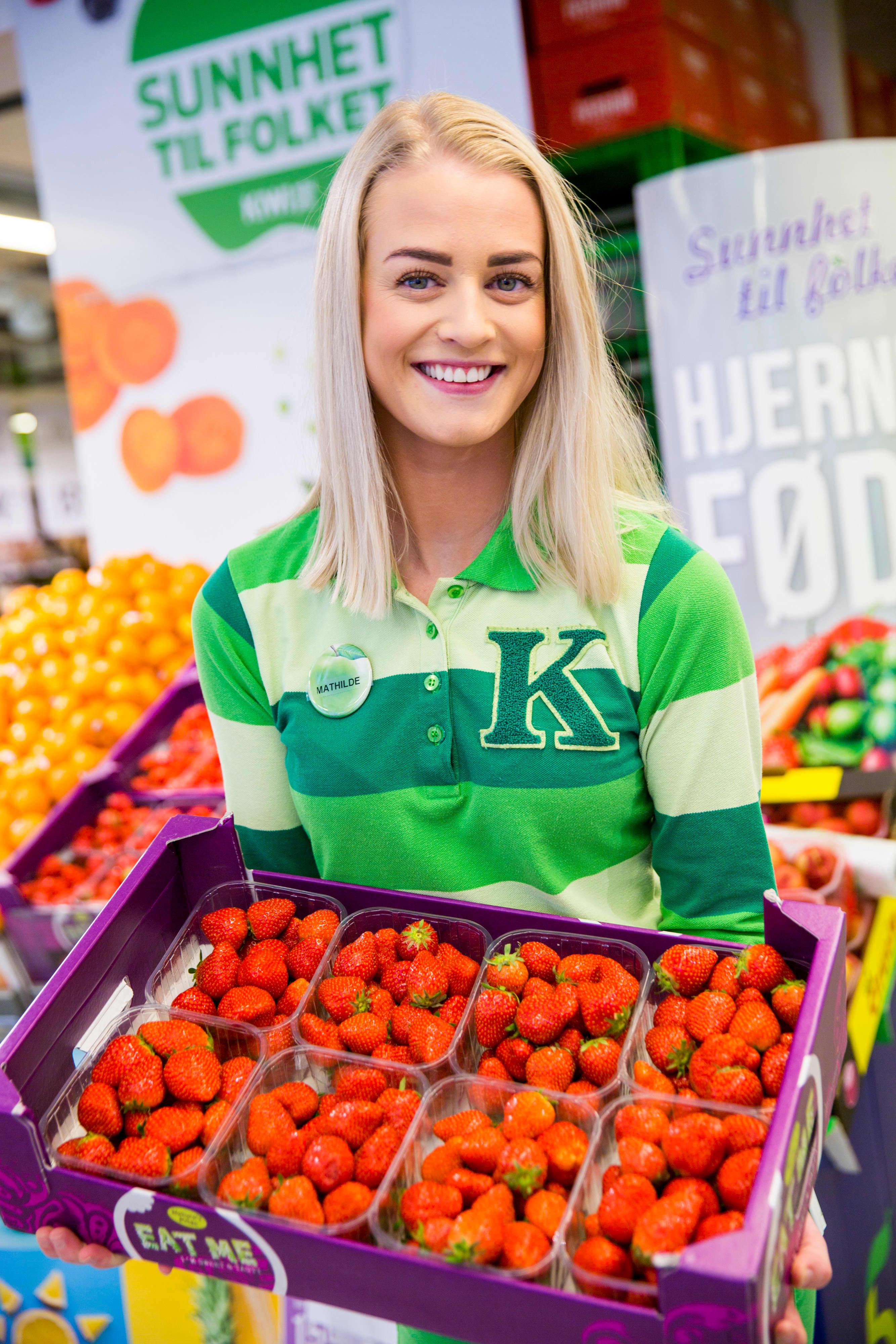 JORDBÆRREKORD: Vi kjøpte en halv million kurver jordbær hos KIWI siste uke i mai