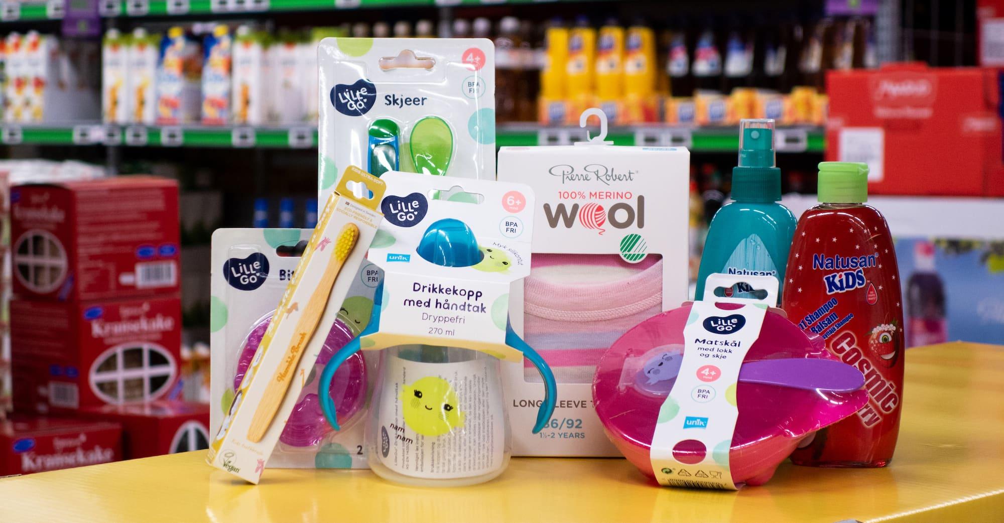 JULEGAVEN TIL BABY: Et utvalg produkter fra KIWI som både barn og foreldre får glede av.