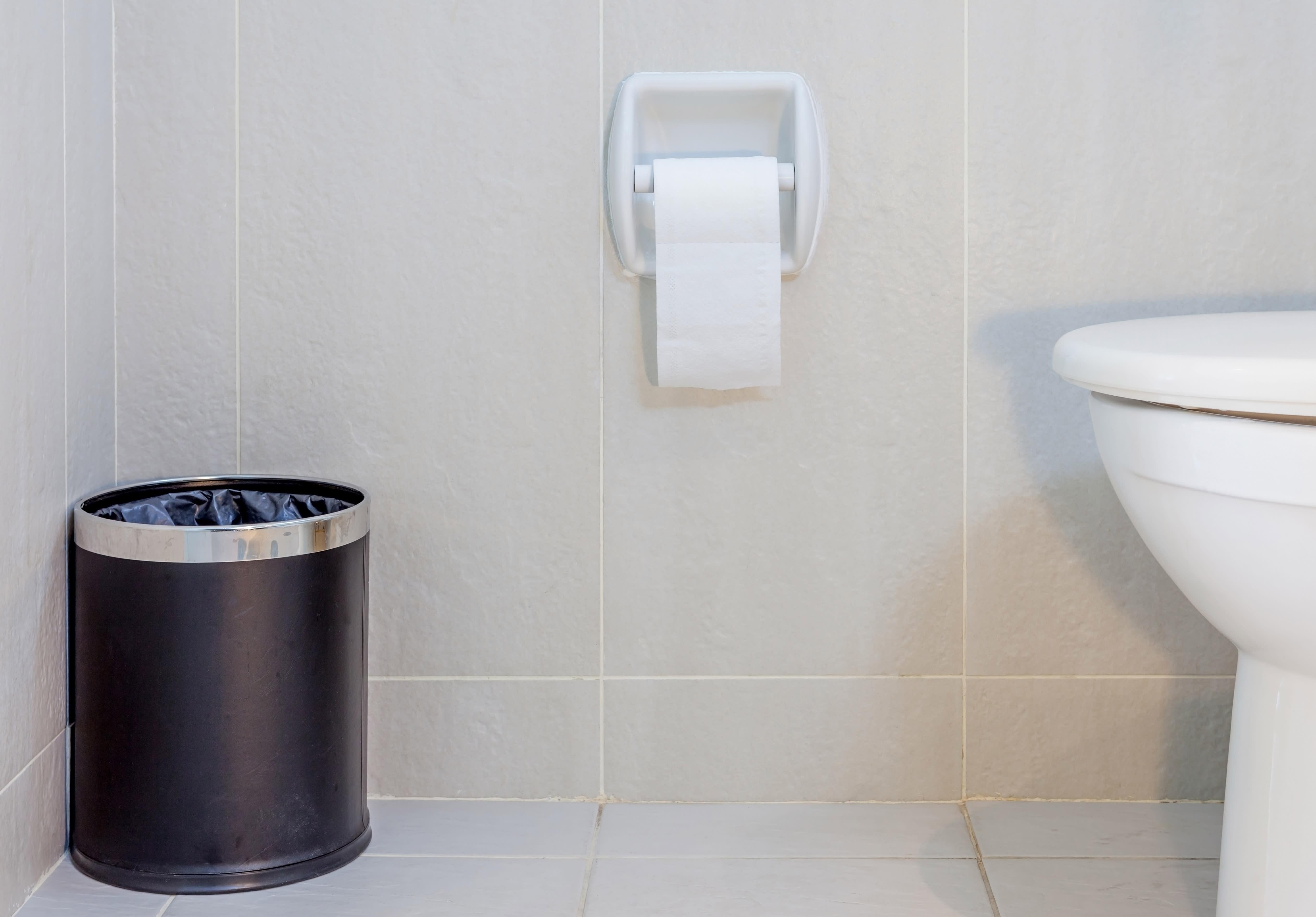 PLAST: Det kan være lurt å ha en egen pose til tomme plastprodukter på badet.