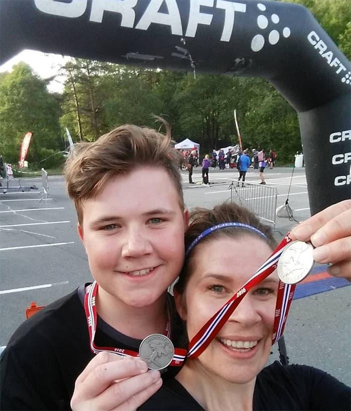 Unektelig stolt av oss i dag!! Mor og sønn i Bergens Råeste 7,5K terrengløp. FOTO: @jsnyheim