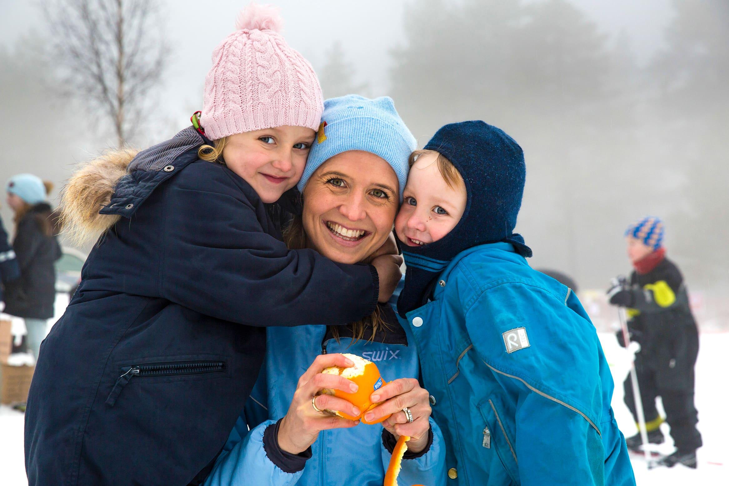 Kommunikasjonssjef Kristine Aakvaag Arvin gjorde som flere hundre andre og tok med seg barna på Kom deg ut-dagen søndag 6. februar.