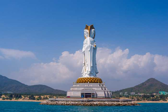 Guan Yin of the South Sea of Sanya (108 Meters)