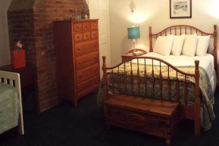 Dresser and Queen Bed