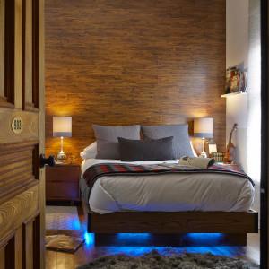 Room 903 bed