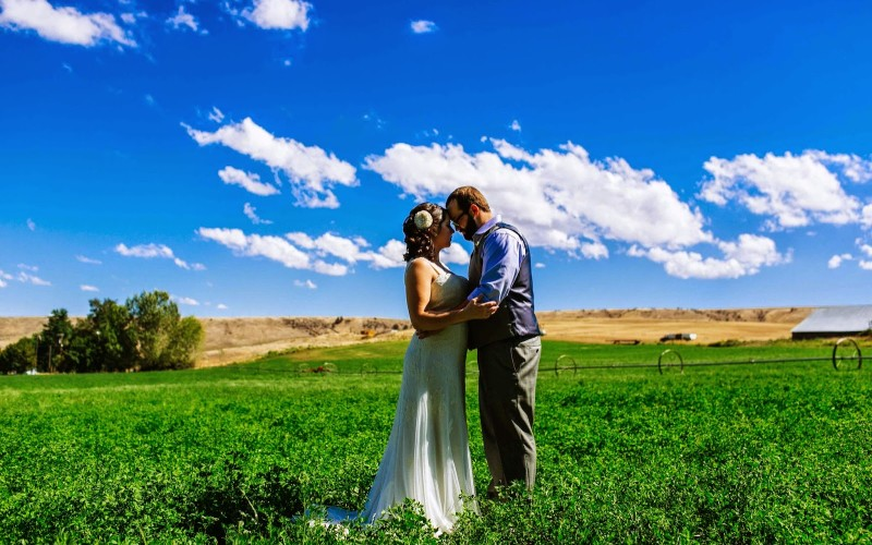 July Wedding at the Balch Hotel in the Beautiful Columbia River Gorge!