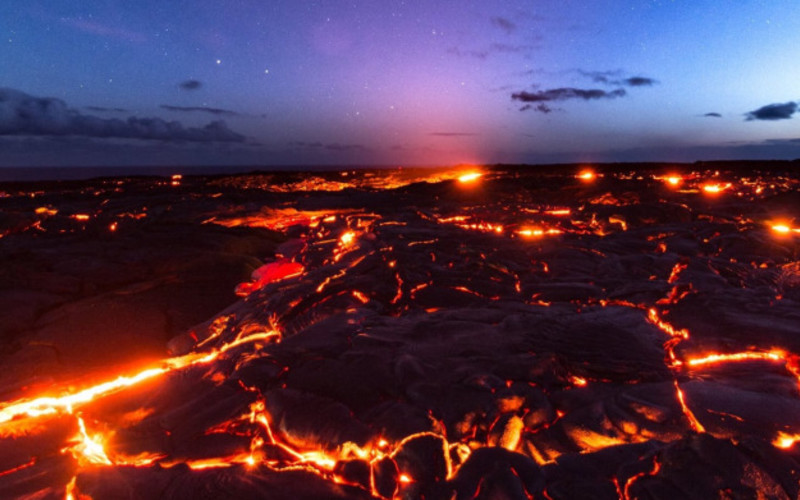 Pele returns to the Pacific Ocean, after suddenly crossing the coastal plain of Kilauea