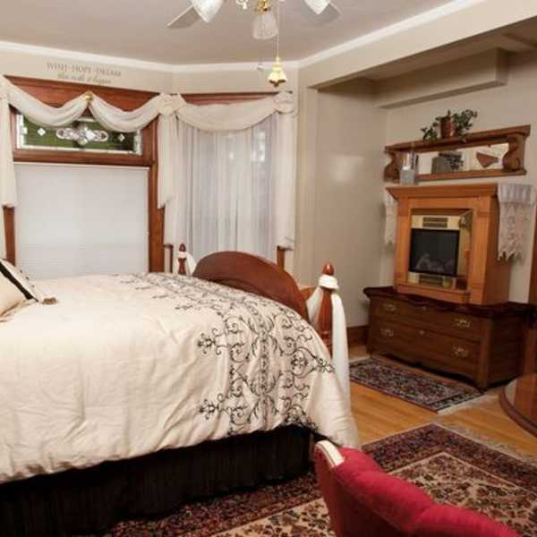 franklin grand suite 2 at Franklin Street Inn bed and breakfast downtown appleton wisconsin