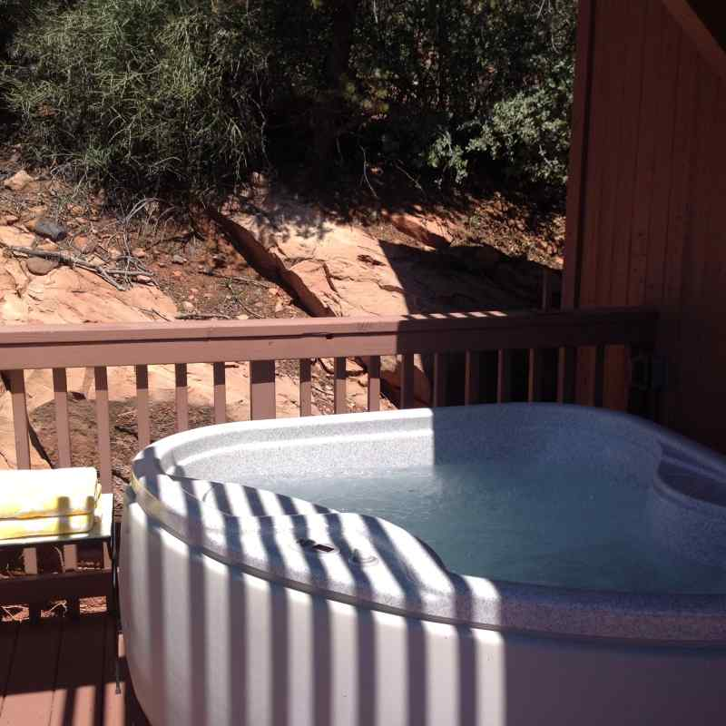 THE private hot tub IN THE MORNING GLORY SUITE - SEDONA VIEWS B&B