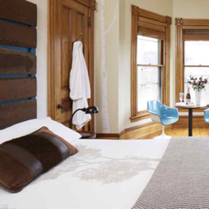 Room 905 bed