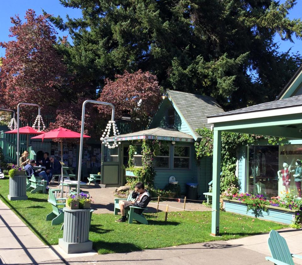 Mike's Ice Cream in Hood River