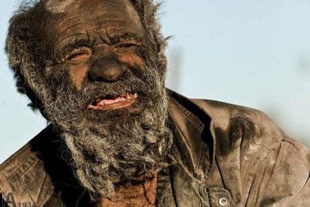 Wow, manusia ini tak mandi selama 60 tahun