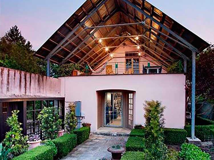 10-jardins-exuberantes-combinam-para-criar-este-premio-residência-ganhar-mágico-composto-de-dois-acres-tem-sido-descrito-como-Itália-em-texas-casas-dos-sonhos