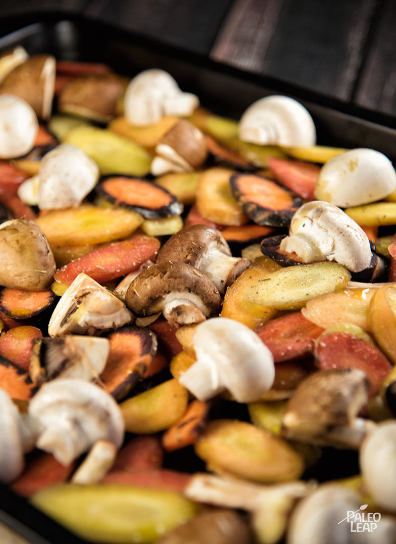 Beef Cubes With Roasted Carrots And Mushrooms preparation