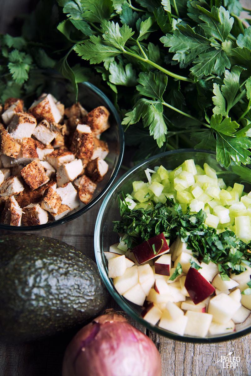 Avocado, Apple And Chicken Salad preparation