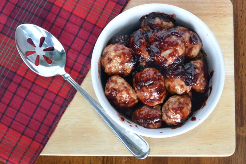 Paleo Cranberry Turkey Meatballs