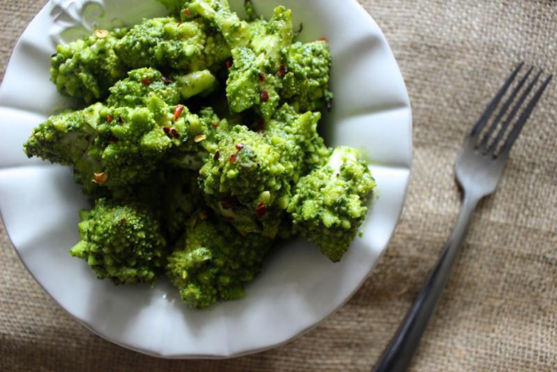 Pesto Cauliflower Bites