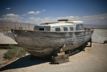 abandond, decaying boat