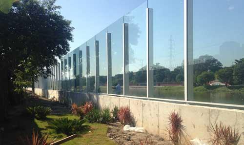 Painéis de vidro Guardian Glass para o novo muro da Raia Olímpica da USP
