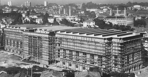 Arquiteto Auguste Perret é homenageado