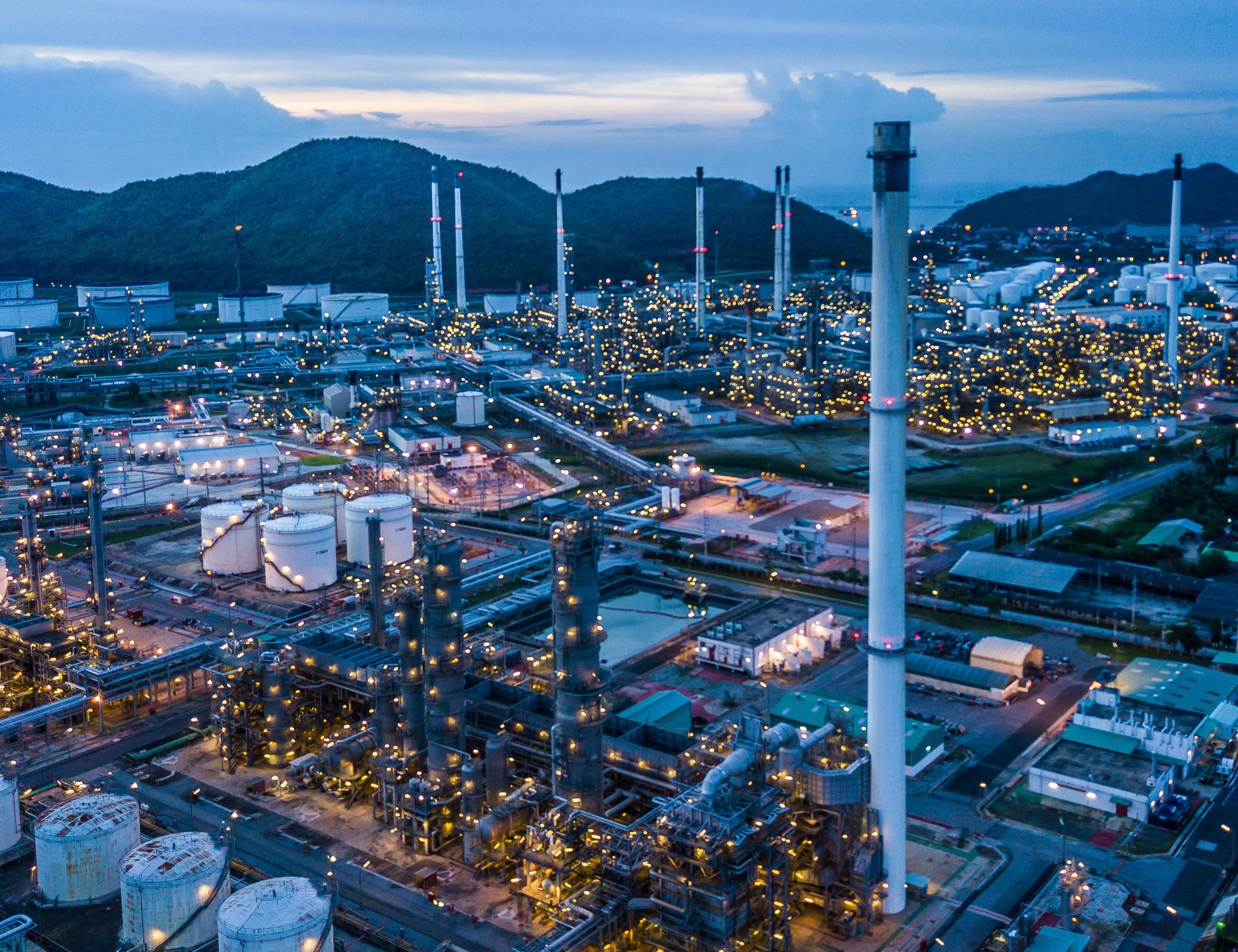 Germans chemicals are confident but cautious