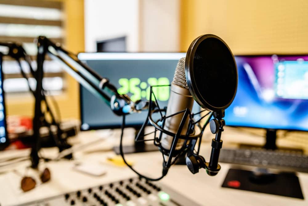 ラジオ広告代理店