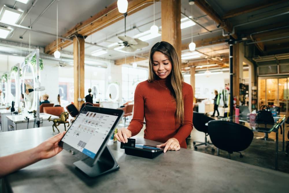 クレジットカード決済サービスの4つの種類