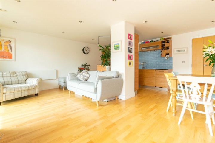 Living Room/Kitchen