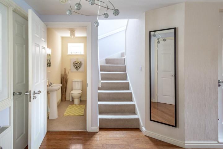 Hallway/Cloaks WC