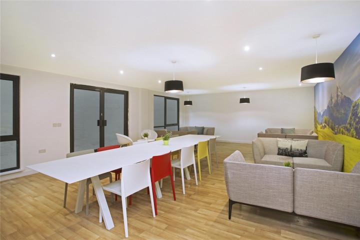 Lounge/Breakout Room