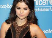 Looks notables: Selena Gomez