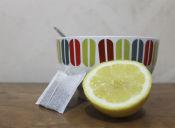 Aclara tu cabello naturalmente con manzanilla y limón