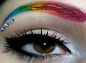 Tendencia: cejas arcoíris