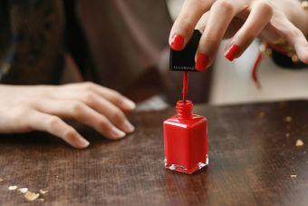 ¿Conoces el origen del esmalte de uñas?