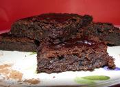 Cómo hacer Brownies de Frijoles Negros
