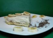 Prepara una tarta de plátano con crema de café