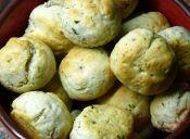   Prepara pancitos de queso y especias