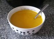 Prepara una sopa vegana de zapallo y jengibre