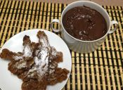 Cocinar churros integrales con chocolate caliente