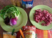 Cómo hacer un Pastel de choclo con salsa bechamel y cebolla morada