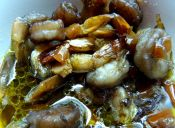 Prepara Camarones asados con salsa worcestershire y vino tinto