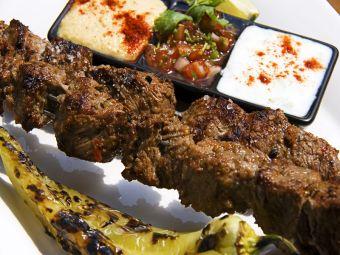 Medio Oriente: Brochetas de Kebab
