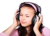 Cosas de loca: oír música antes de dormir