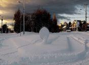 Pequeñas cosas increíbles: jugar con nieve