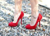 Pequeñas cosas terribles: caminar con zapatos duros