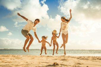 Pequeñas cosas increíbles: un día de playa en familia