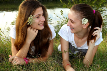 Pequeñas cosas increíbles: las amigas del colegio