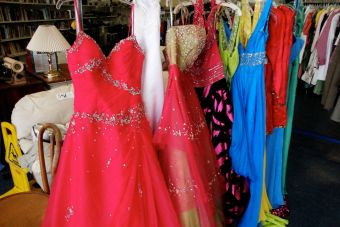 Tips para cuidar tus vestidos de noche