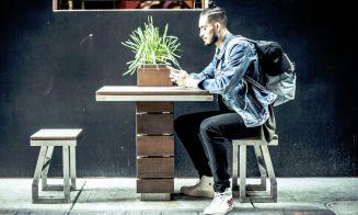 Millennials demuestran comodidad al compartir sus actividades en los dispositivos móviles